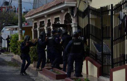 Se entrega hombre estaba atrincherado en vivienda tras matar esposa