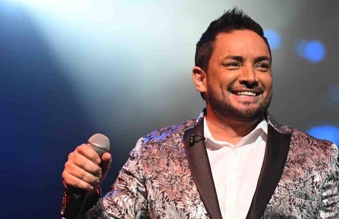 Cantante Manny Manuel no acude a cita judicial a causa de tratamiento médico