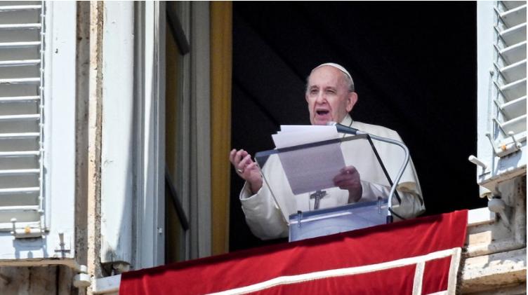 El papa Francisco expresa su preocupación por los enfrentamientos violentos en Colombia