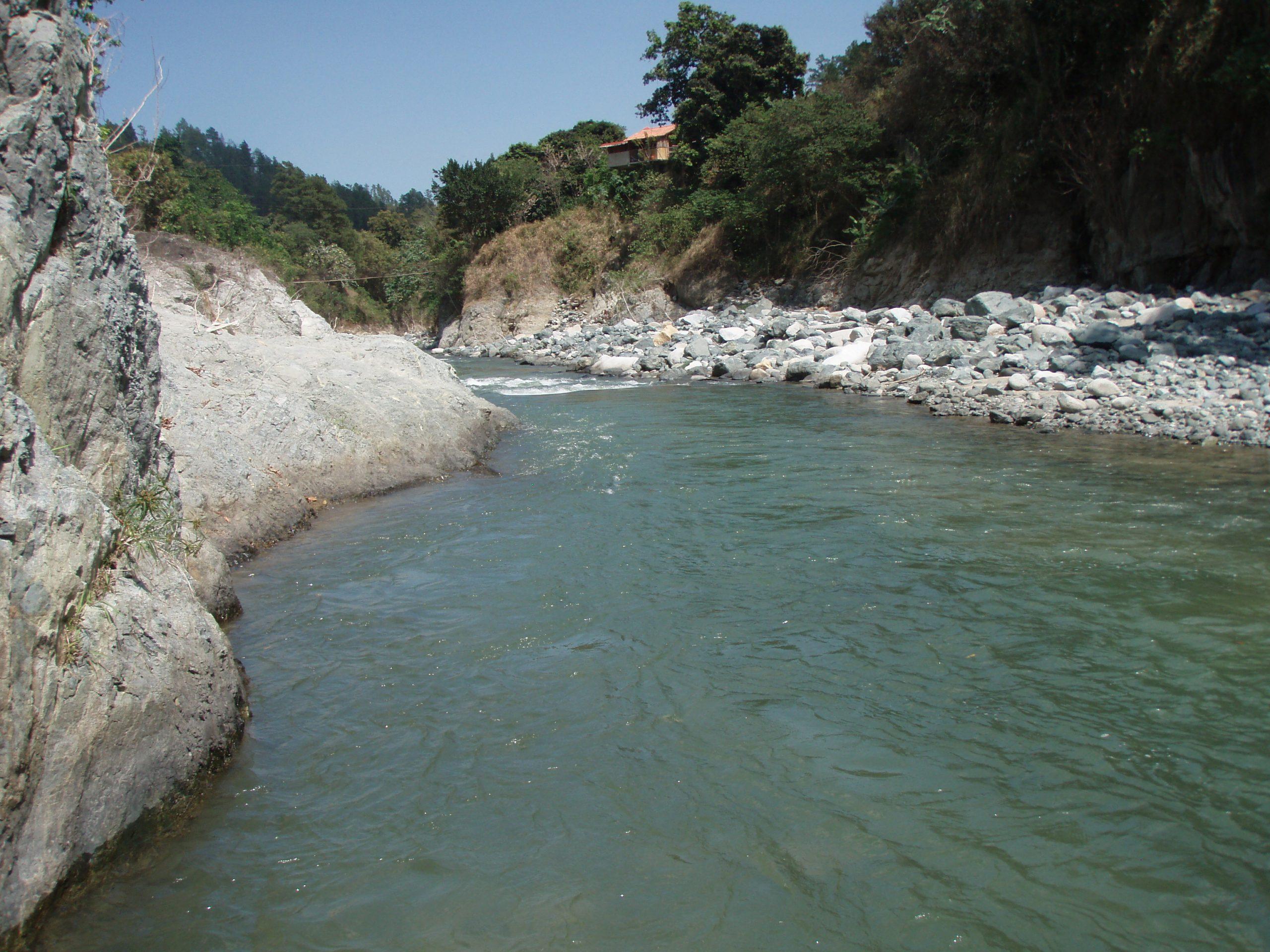 Joven obrero muere ahogado en río Yaque del Norte en Valverde