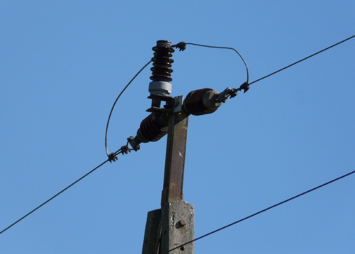 Maestro constructor muere electrocutado cuando intentó salvar empleado en Higüey