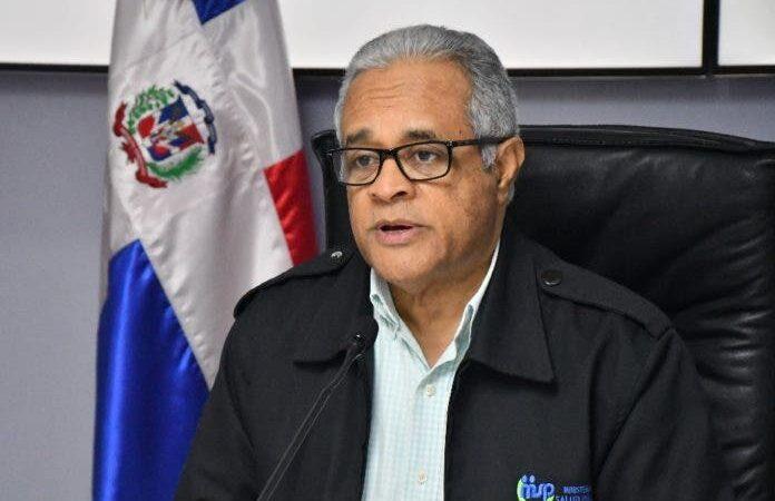 Ex ministro pide mantener medidas sanitarias contra covid
