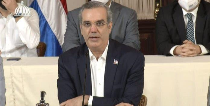 Luis Abinader lamenta magnicidio del presidente de Haití y su esposa