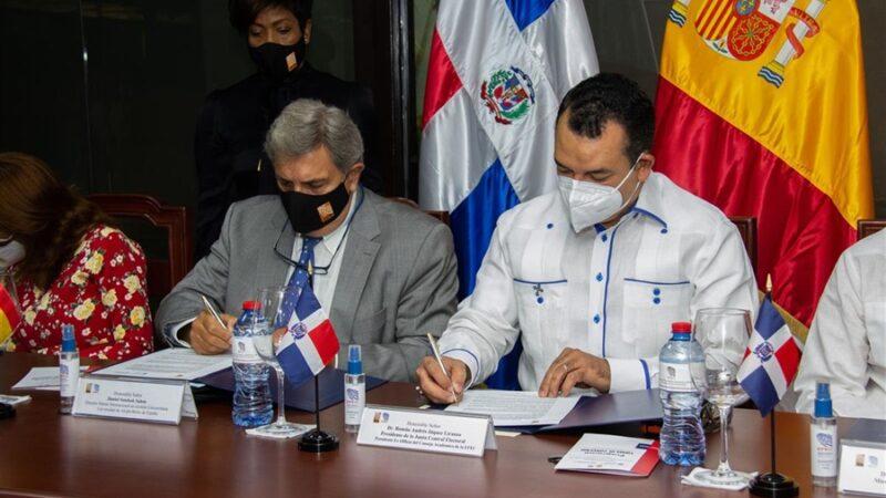 JCE firma convenio con la Universidad de Alcalá Máster Internacional en Gestión Universitaria